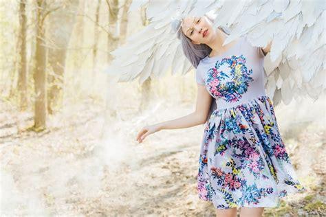 Latviešu modes burvība: fejas un dabas maģija - Skats.lv