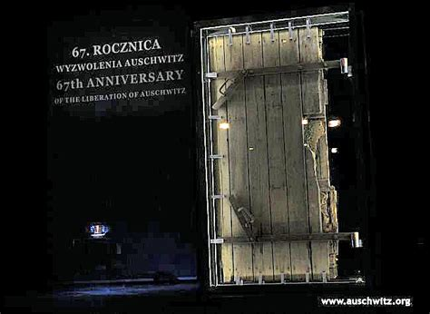 chambre a gaz auschwitz gas chamber door shown at holocaust remembrance day