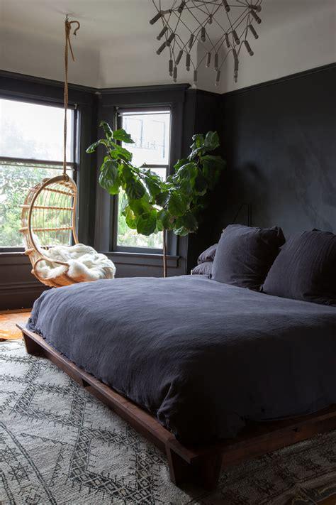 paint  black wall   bedroom katrina chambers