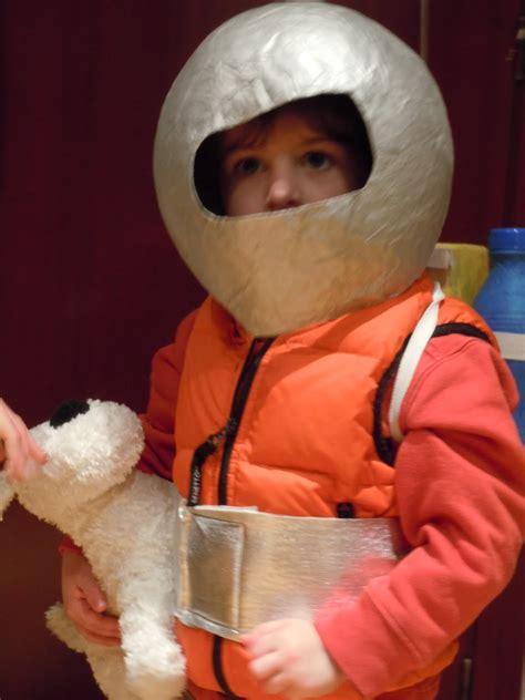 mi mama  tiene blog carnaval  tintin astronauta