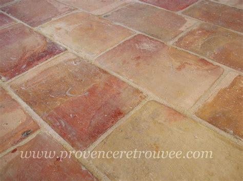 plancher cuisine parefeuilles anciens en terre cuite de provence