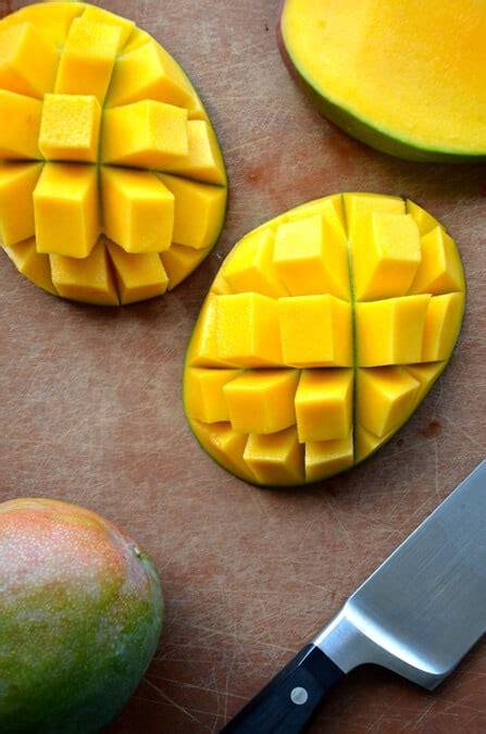 video   cut  mango   taste