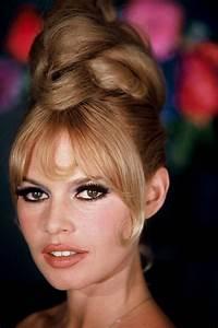 sixties makeup | 24 Femmes Per Second  Brigitte