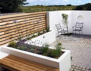 Terrassenmöbel Für Kleine Terrassen : pflegeleichter kleingarten einrichten ideen f r terrassen gestaltung ~ Markanthonyermac.com Haus und Dekorationen