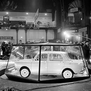 Garage Peugeot Versailles : 1961 dernier salon au grand palais simca 1000 en vitrine le salon de l 39 auto se tiendra ~ Gottalentnigeria.com Avis de Voitures
