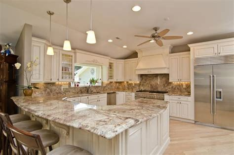 Backsplash Ideas For Off White Cabinets by Cream Glazed Kitchen Cabinets How To Create Finest