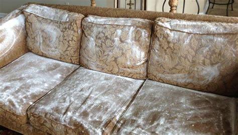 détacher un canapé en tissu comment nettoyer un canapé en tissu facilement