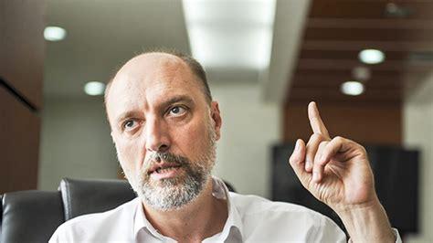 Gazeta Metro - Visar Ymeri vetëm katër ministra i quan emërime shumë të qëlluara