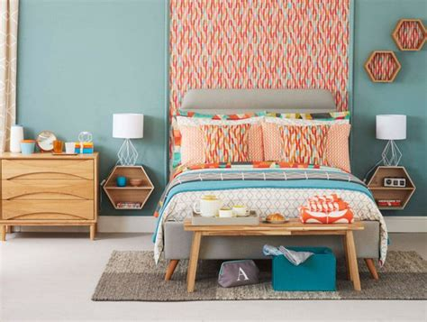 Check Out This Modern Retro Bedroom With Angular Prints