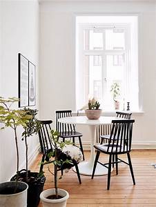 Corner dining table ikea woodworking projects plans for Table salle a manger ikea