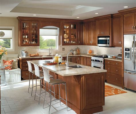 Cherry Cabinet Kitchens by Traditional Kitchen With Cherry Cabinets Homecrest