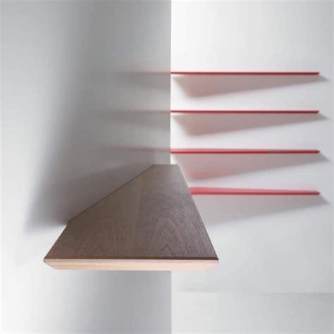 immagini mensole parete mensola da parete dal design minimale colori primari