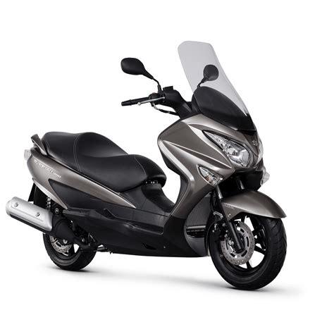 Suzuki Burgman Scooter by Suzuki Burgman 200 Chelsea Motorcycles