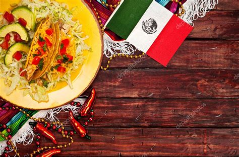 Background: Mexican Flag and Tacos to Celebrate Cinco De ...