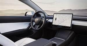 Tesla Model 3 2021 Interior - Driving ECO
