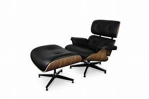fauteuil et repose pieds lounge eames du designer charles With tapis design avec canapé charles eames