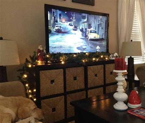 dont   fireplace  decorate  garland