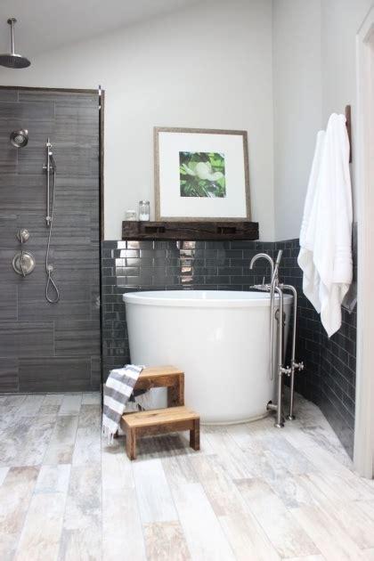 Tub Ideas For Small Bathrooms - soaking tubs for small bathrooms bathtub designs