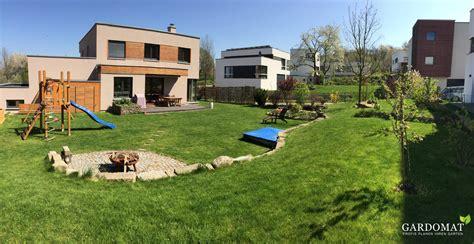 Garten Höhenunterschied Ausgleichen by Nat 252 Rliche Gartenplanung Mit Leichtem H 246 Henunterschied