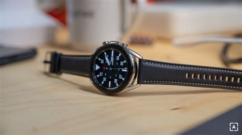 As confusing as it might seem, the galaxy watch active 4 will launch with the name galaxy watch 4, while the galaxy watch 4, the premium smartwatch, will launch as the galaxy watch 4 classic, so keep that in mind. Samsung Galaxy Watch 4 ponúknu meranie hladiny cukru v krvi