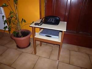 Petit Meuble Téléphone : meuble informatique jilks ~ Teatrodelosmanantiales.com Idées de Décoration