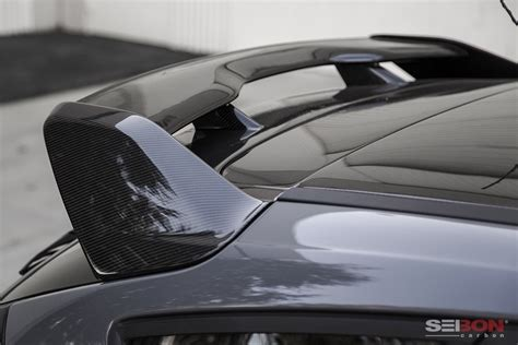 carbon fiber rear spoiler    ford focus hatchback