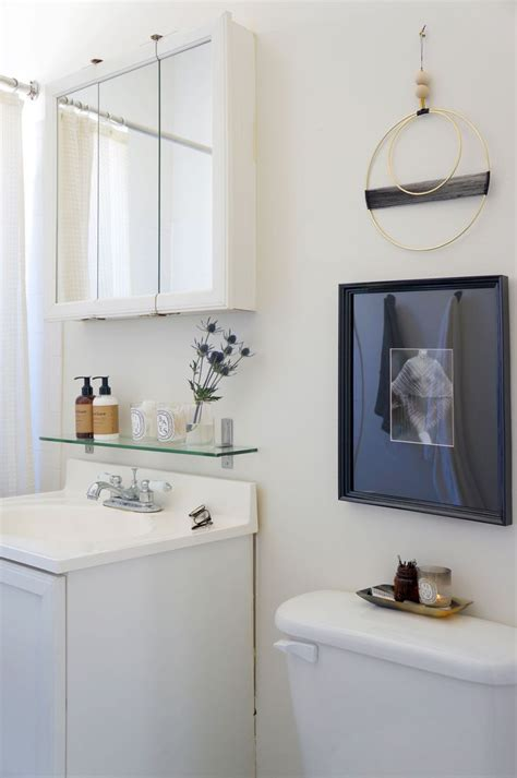 Bathroom Decorating Ideas For A Rental by Best 25 Rental Bathroom Ideas On Rental