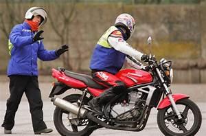 Permis Gros Cube Prix : passer son permis moto moto plein phare ~ Medecine-chirurgie-esthetiques.com Avis de Voitures