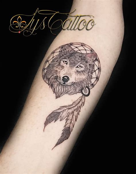 specialiste tatouages animaux loups chats lions