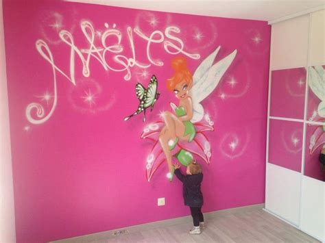 deco chambre fille princesse chambre fée decoration fille graffiti drole 2