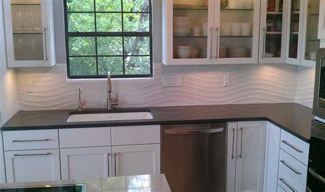 kitchen backsplash porcelnosa qatar nacar white wave