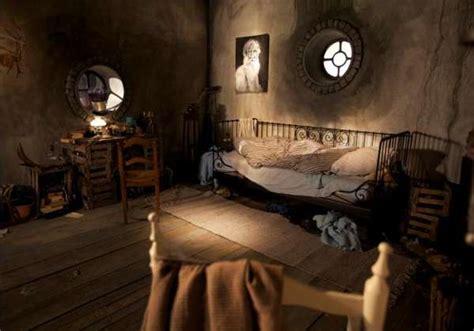 Cozy Fantasy Abodes  Hobbit Hole Bedroom