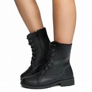 04 Combat Boots