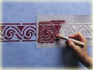 peindre un mur au pochoir bricobistro With peindre au pochoir sur un mur