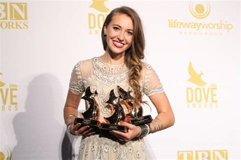 Lauren Daigle's 'how Can It Be' Earns Singer 3 Dove Awards