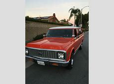 Seller of Classic Cars 1972 Chevrolet Suburban Orange