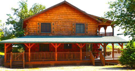 cabin rental iowa moose lodge 5 bed cabin with tub iowa cabin rentals