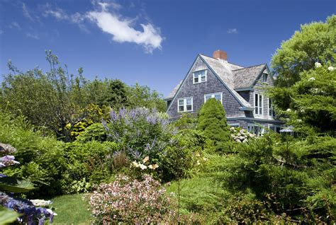 The Famous Grey Gardens Estate Is For Sale