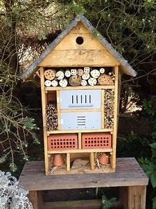 Nichoir A Insecte : h tel insectes fabriqu en bois de palettes toiture en ~ Premium-room.com Idées de Décoration