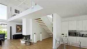 Haus Mit Galerie Im Wohnzimmer : mit galerie und dachterrasse ~ Orissabook.com Haus und Dekorationen
