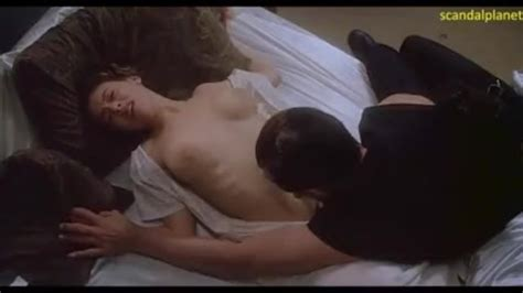 Alyssa Milano Nude Boobs And Sex Scene In Embrace Of The Vampire Movie Thumbzilla