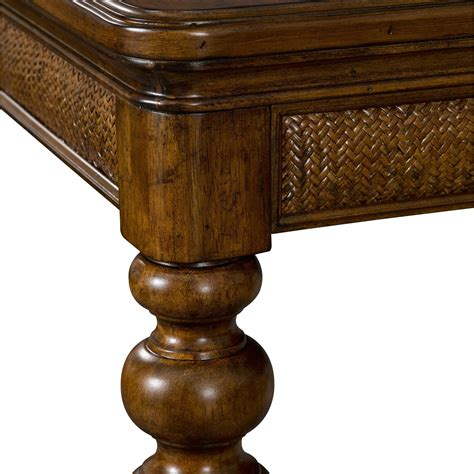 broyhill furniture amalie bay   leg dining table