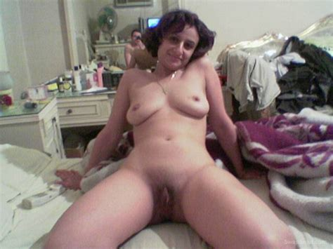 Egyptian Hottie Milf That Like To Pose Nude