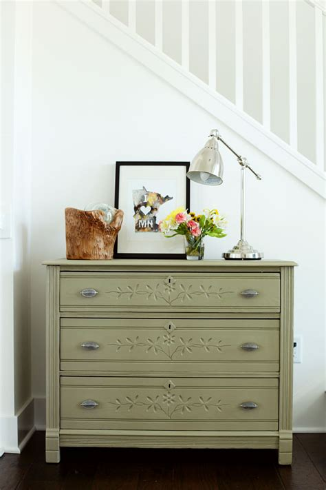 choosing the right paint color for furniture mrs hines