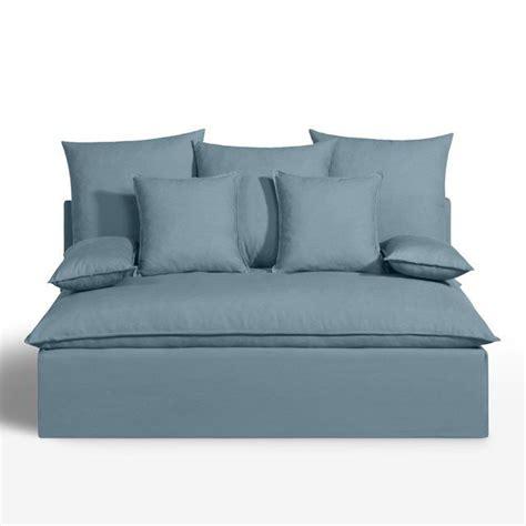sur le canapé ou dans le canapé 1000 idées à propos de banquette convertible sur