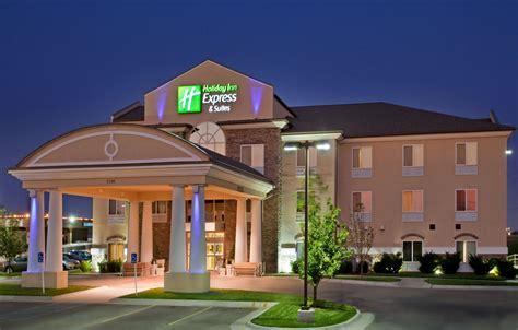 holiday inn express suites wichita airport wichita