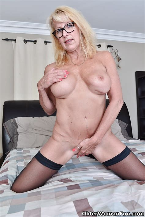 54 Year Old Canadian Milf Bianca From Olderwomanfun 16