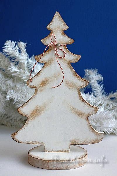 bastelidee fuer weihnachten winterliche holzdekoration