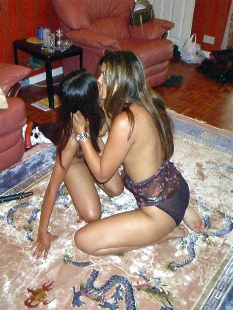 A Collection Of Hot Indian Pakistani Girls Aunties Pics