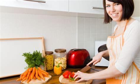 conseils pour cuisiner 20 conseils pour cuisiner en toute sécurité trucs pratiques